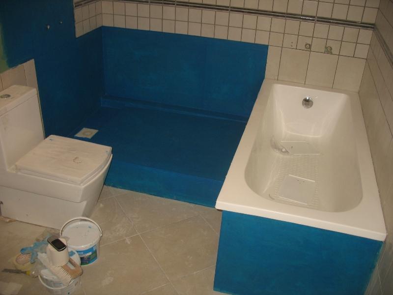 hidroizolacija vannas istabā, zilā mastika vanai, udensdroš pārklājums
