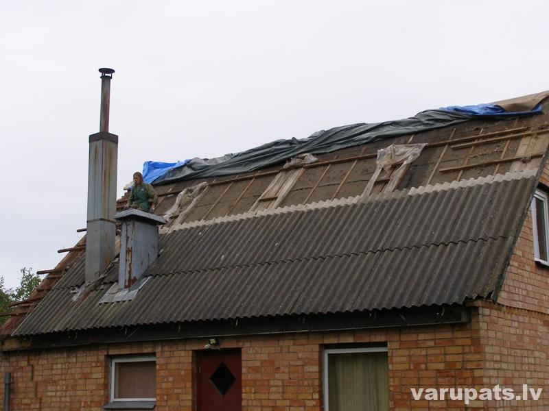 Līvānu tipa mājas, jumta seguma maiņa