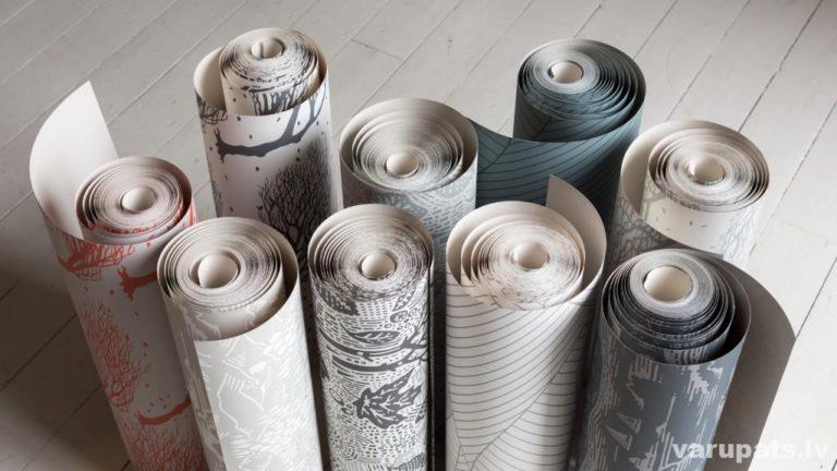 papīra tapetes ar raksturojumu, apzīmējumi uz tapešu ruļiem