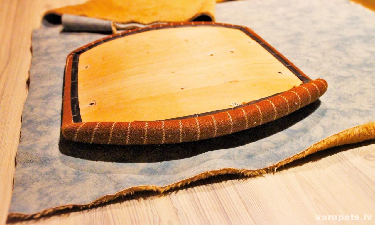 krēsla auduma pārvilkšana, parvilkt audumu mēbelei, auduma pārvilkšana