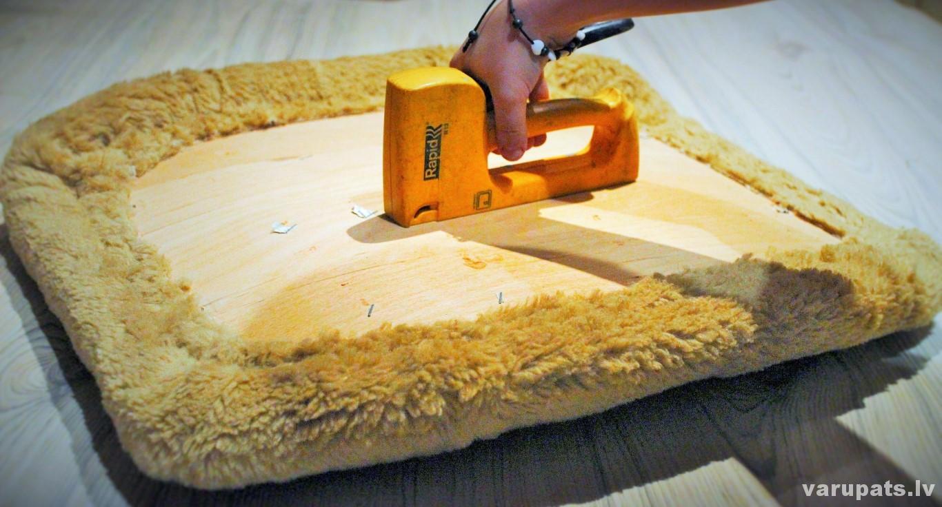 auduma pārvilkšana mēbelei, krēsla auduma pārvilkšana, pārvilkt audumu mēbelei